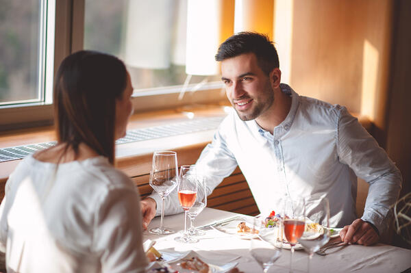 couple on date at a restaurant